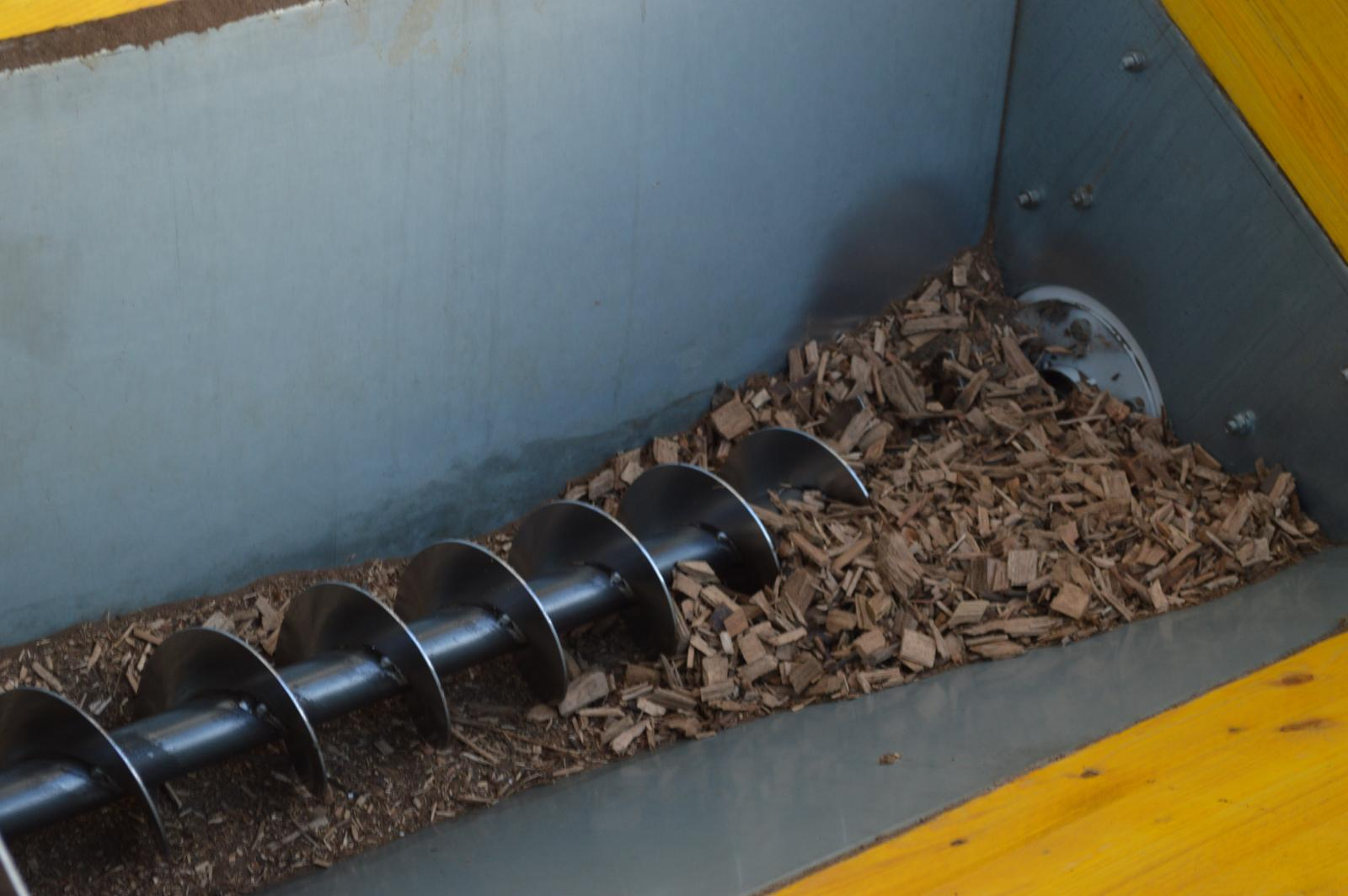 Wood chips conveyor screw