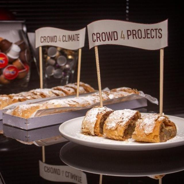 """Apple strudel"" for the start of the crowdfunding campaign"