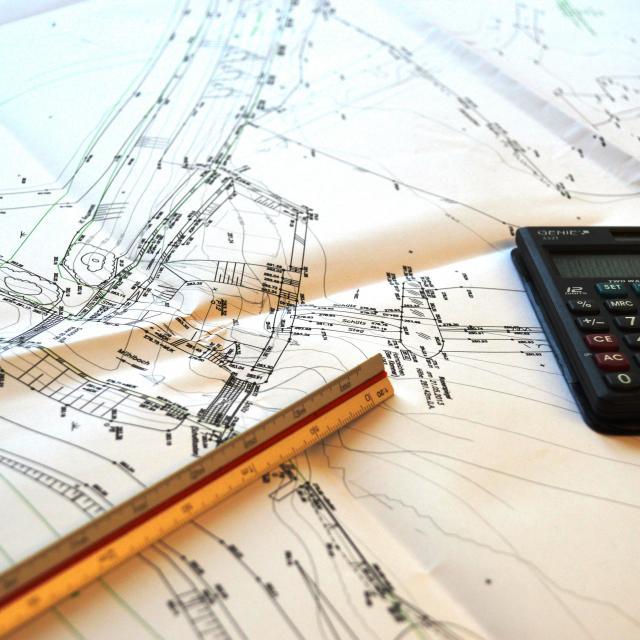 Plan, Lineal, Taschenrechner
